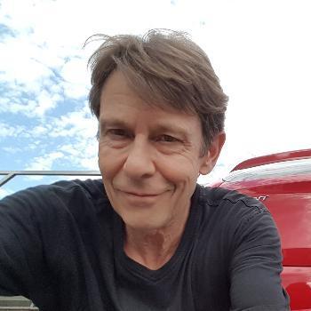 Prof. Dipl.-Des. (FH) Holger Deuter